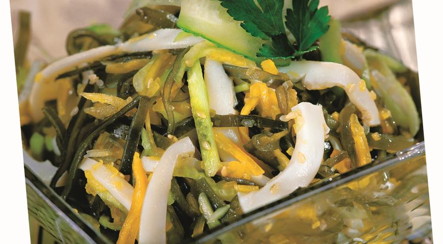Салат кальмары с яйцом и морской капустой рецепт с