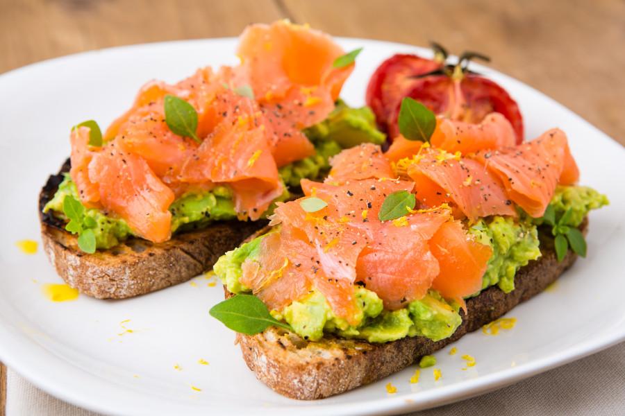 Бутерброды с красной рыбой | Рецепты с фото