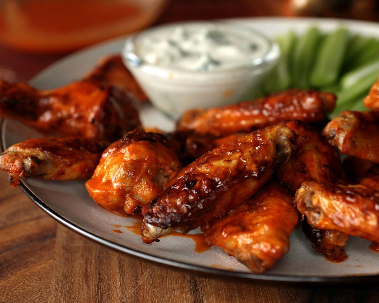 Куриные крылья в медовом соусе | Рецепты с фото