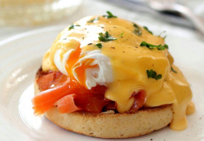 Лосось с яйцами бенедикт | Рецепты с фото