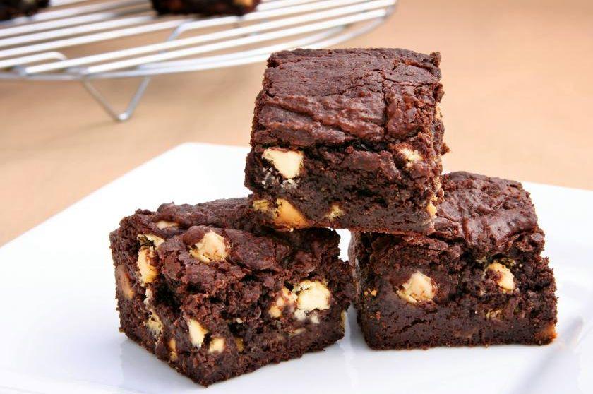 Шоколадный брауни с орехами
