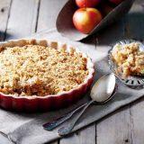 Яблочный крамбл, американская кухня. американский десерт, десерт яблочный крамбл, яблочный крамбл, крамбл, десерт, десерт крамбл, десерт из яблок