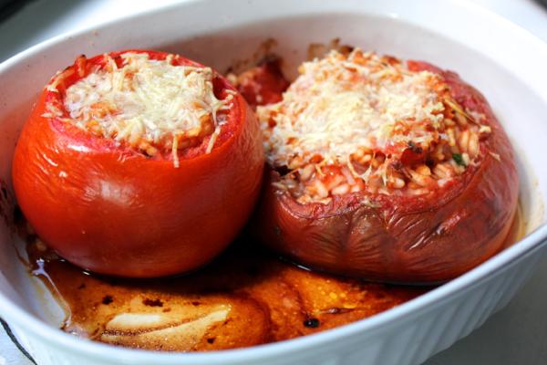 Запеченные с рисом помидоры, помидоры запеченные с рисом, помидоры с рисом