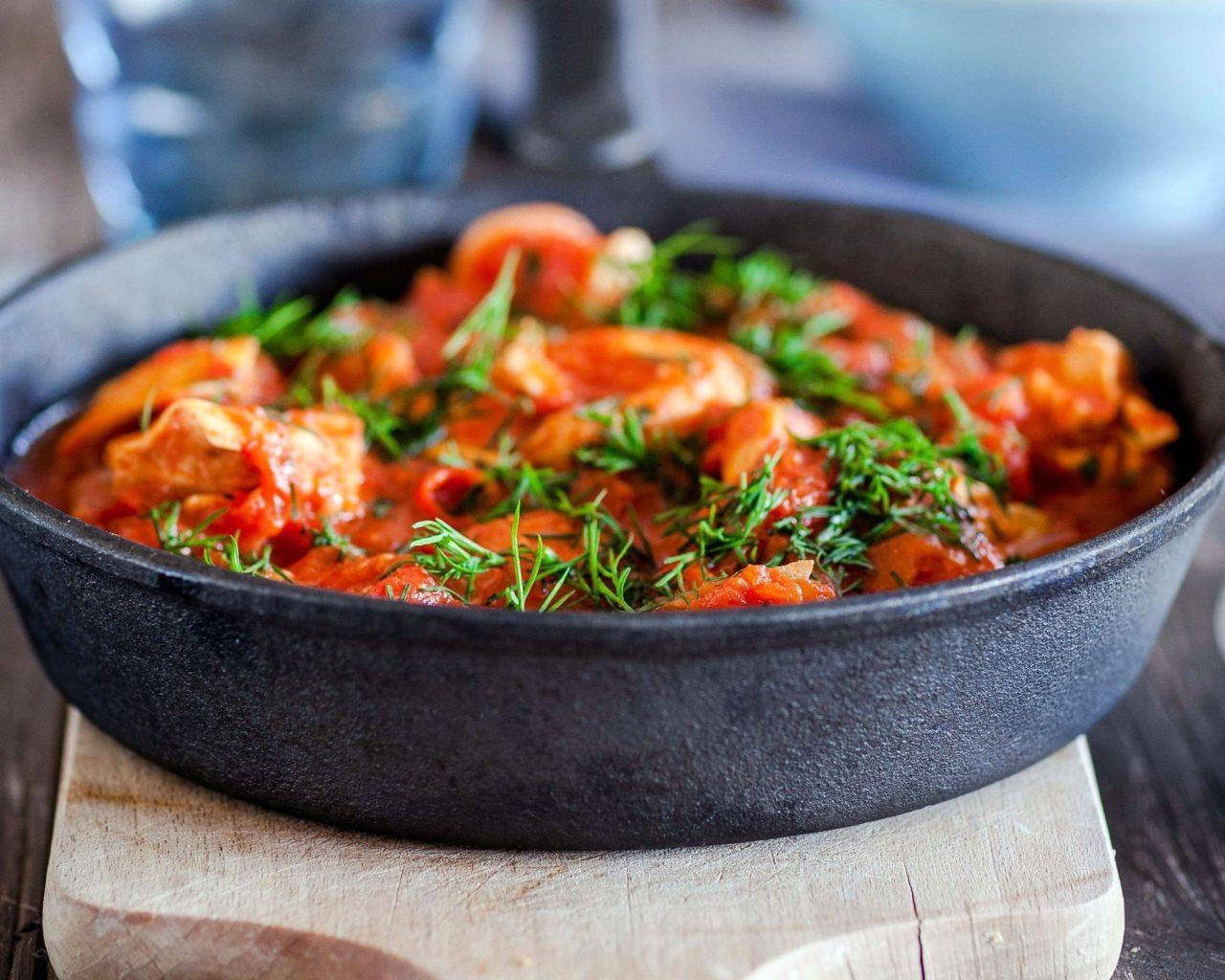 Коккинисто - курица в томатном соусе | Рецепты с фото