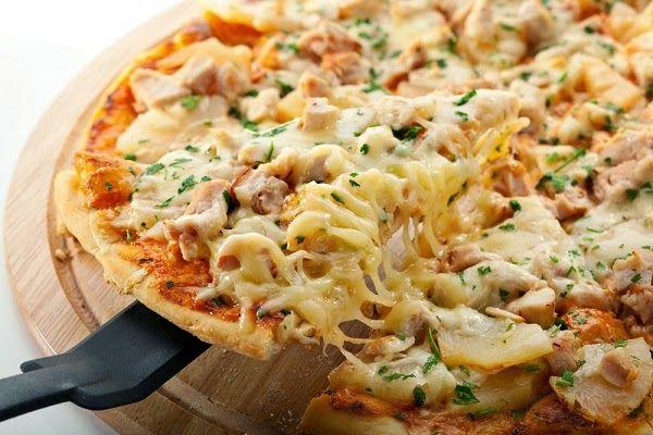 Пицца из курицы и ананаса | Рецепты с фото