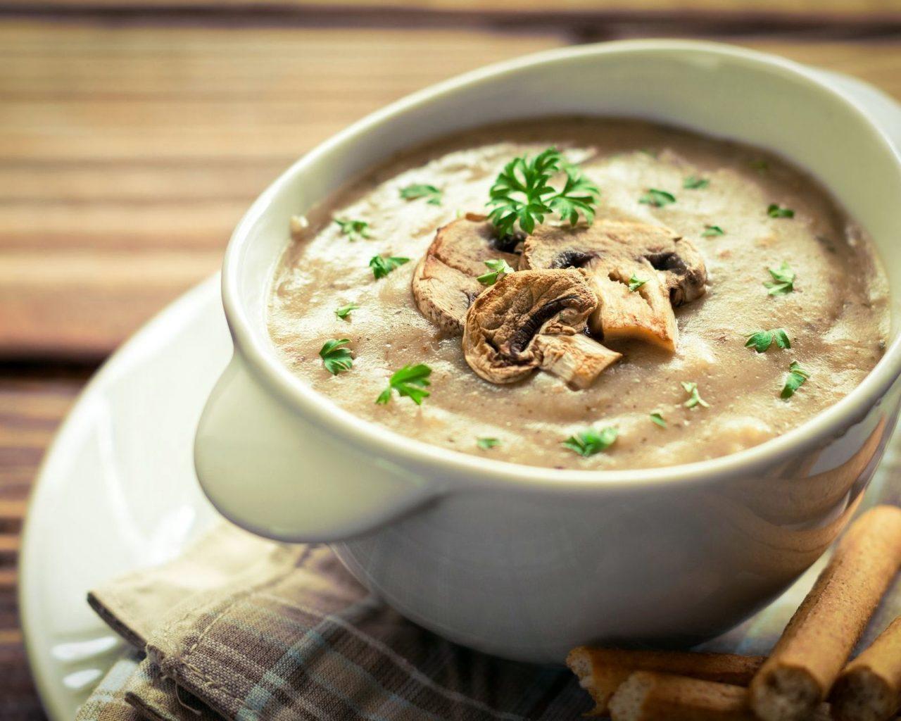 Суп-крем из шампиньонов и кольраби | Рецепты с фото
