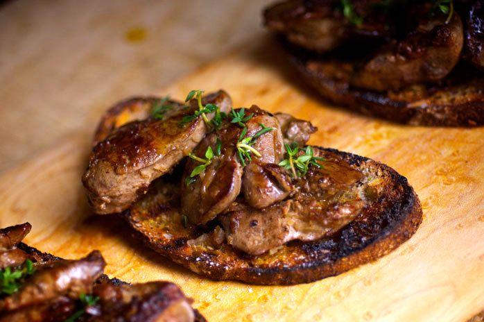 Тосты с куриной печенью | Рецепты с фото