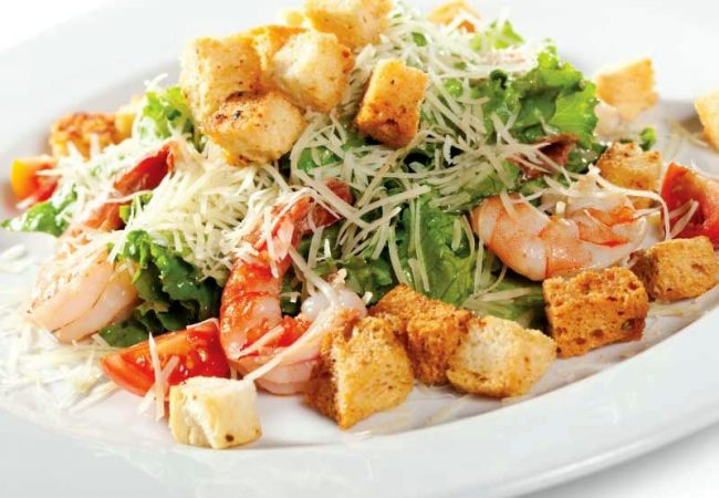 Салат Цезарь с креветками | Рецепты с фото