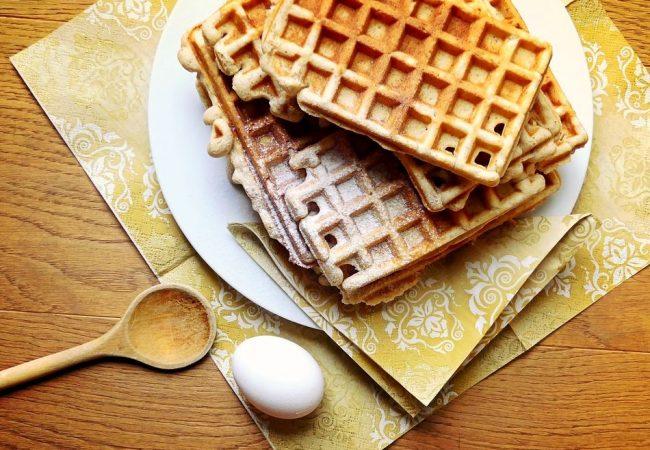 Дрожжевые вафли с орехом | Рецепты с фото