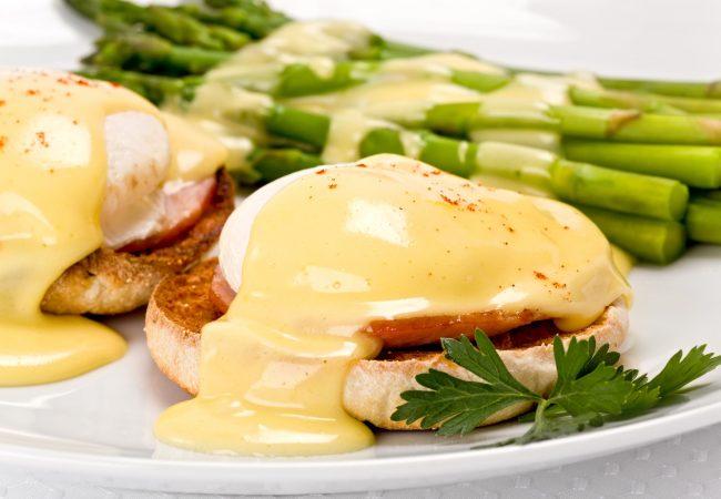 яйца бенедикт,яйца пашот, блюда из яиц