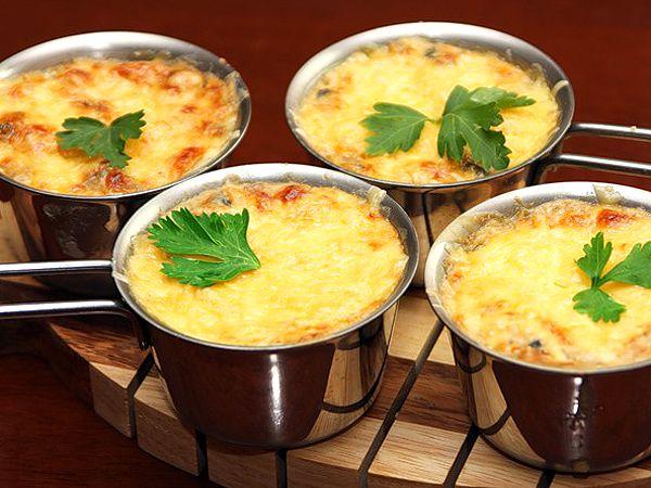 Жюльен с мидиями и креветками | Рецепты с фото
