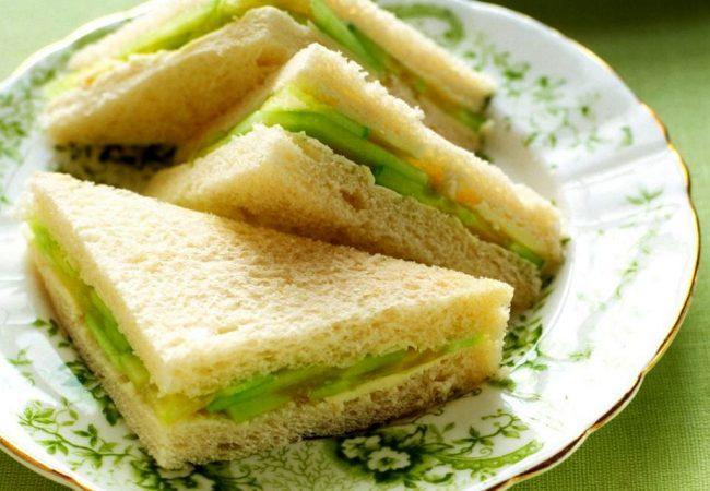 Английские сэндвичи с огурцами, классические английские сэндвичи , сэндвичи с огурцом, очень простой сэндвич
