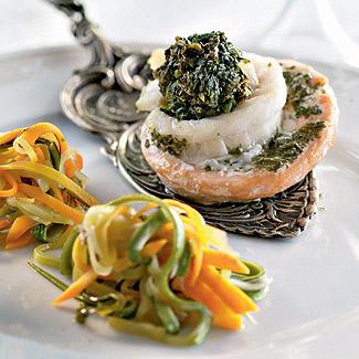 «Розы» из форели и налима с овощными «спагетти» | Рецепты с фото