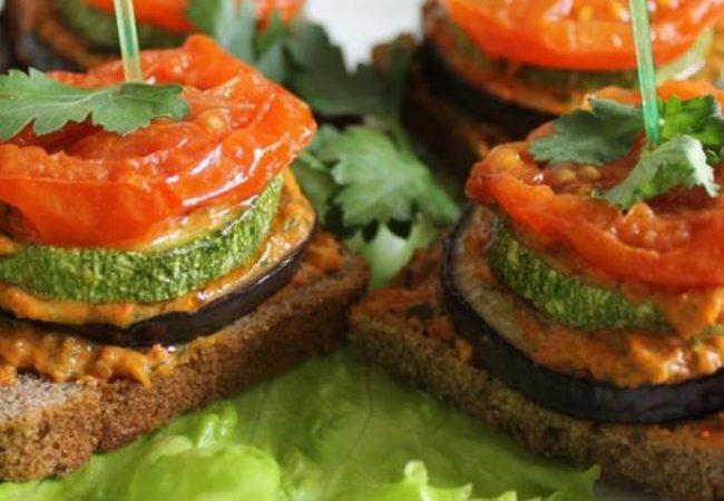 Бутерброды с овощами для завтрака | Рецепты с фото