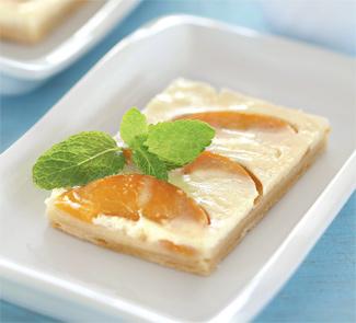 Быстрый пирог с персиками и йогуртом | Рецепты с фото