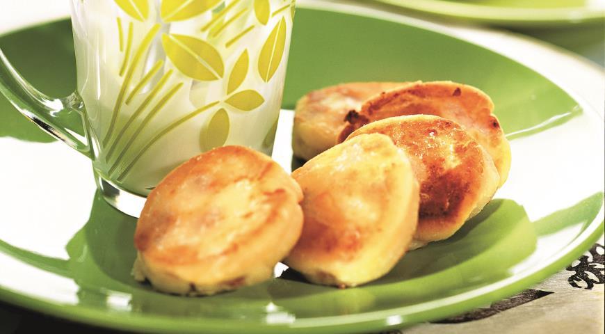 Cырники с изюмом | Рецепты с фото
