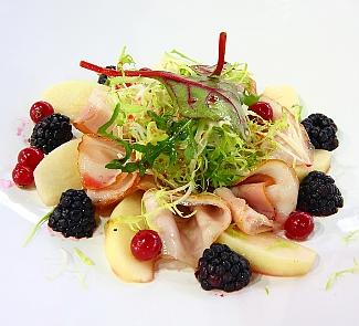 Десерт из ветчины, груш и лесных ягод | Рецепты с фото