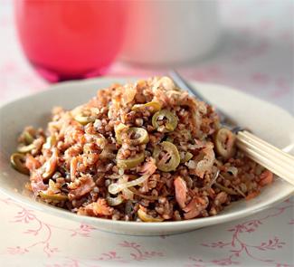 Гречневая каша с лососем и оливковым маслом | Рецепты с фото