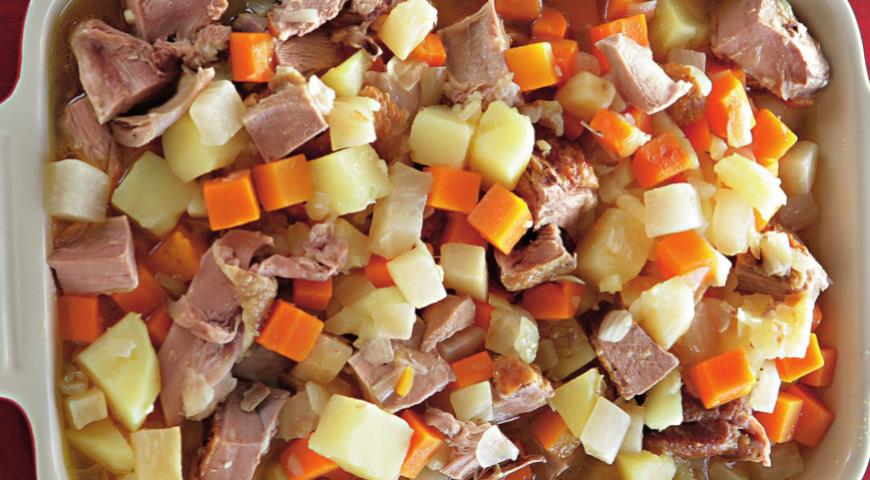 Гусь, тушенный с корнеплодами | Рецепты с фото