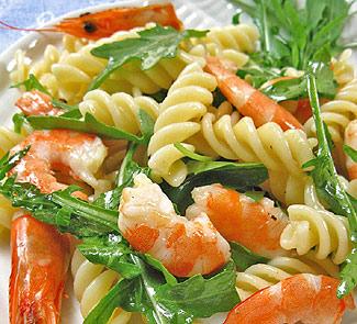 Холодная паста с креветками и рукколой | Рецепты с фото