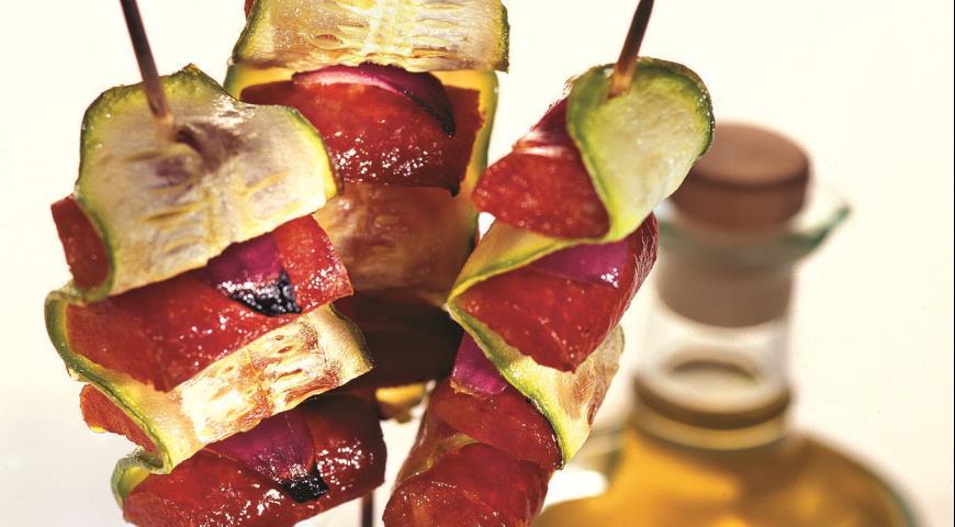 Кабачки, жаренные с колбасками | Рецепты с фото