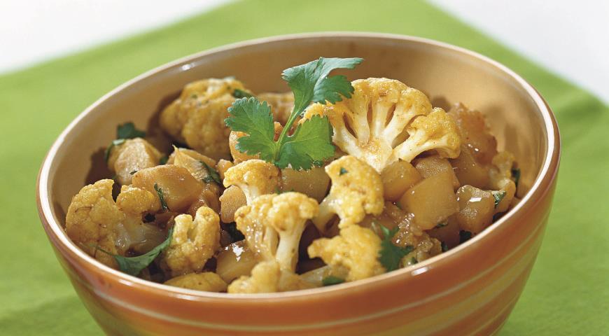 Карри из цветной капусты и картофеля | Рецепты с фото