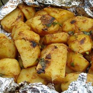 Картофель в фольге | Рецепты с фото