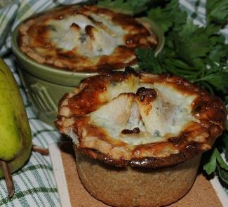 Картофельно-грушевые тортики с горгонзолой | Рецепты с фото