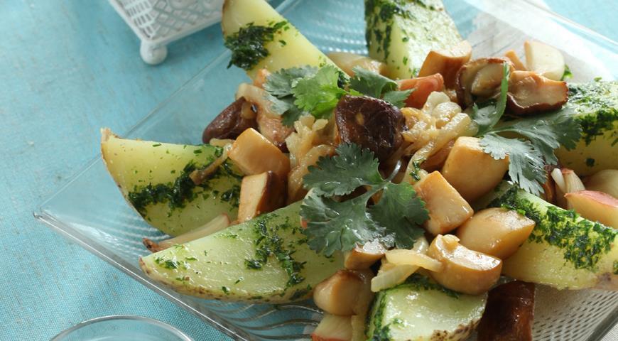 Картофельный салат с грибами и печеным чесноком   Рецепты с фото