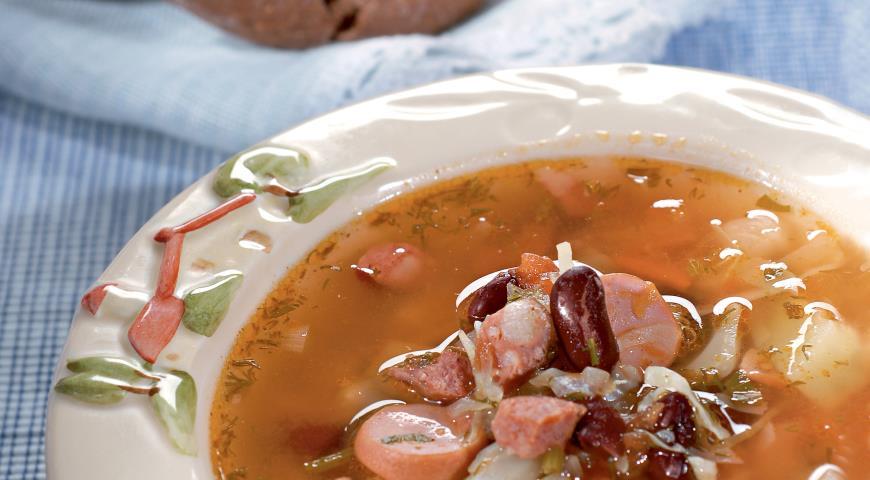 Постный фасолевый суп, где рецепт из красной фасоли включает массу разных овощей.