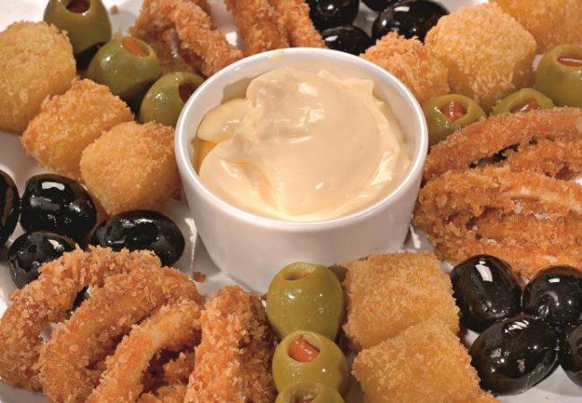 Кольца кальмаров с сыром, маслинами и оливками | Рецепты с фото
