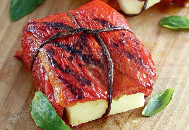 Конвертики из перца с халуми | Рецепты с фото