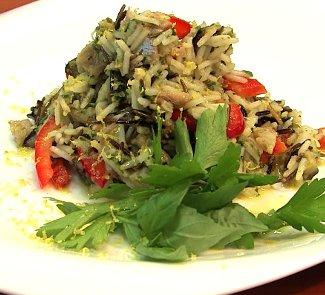 Копченая скумбрия с белым и диким рисом | Рецепты с фото