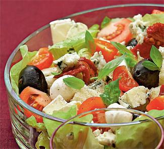 Крестьянский салат с сыром | Рецепты с фото