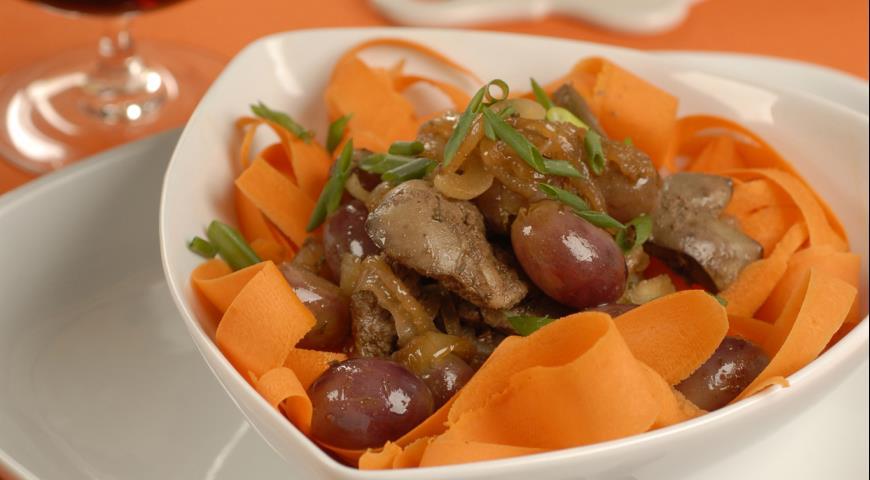 Куриная печенка с виноградом   Рецепты с фото