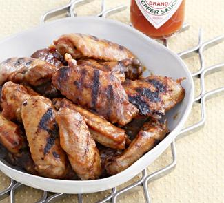 Куриные крылышки в остром томатно-яблочном маринаде | Рецепты с фото