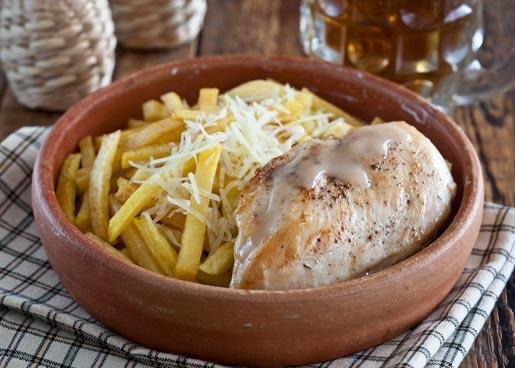 Курица с картофелем-фри | Рецепты с фото