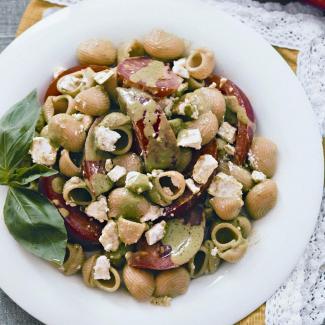 Летний салат из пасты спомидорами | Рецепты с фото