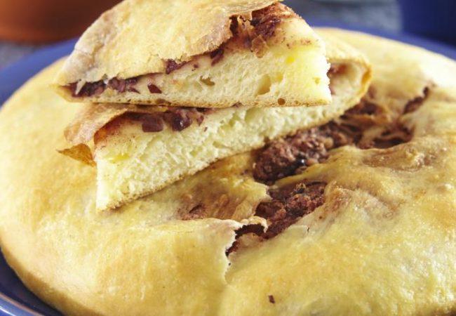 Лобиани, грузинский пирог с фасолью | Рецепты с фото