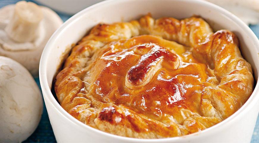 Мини-пироги из камамбера с грибами | Рецепты с фото