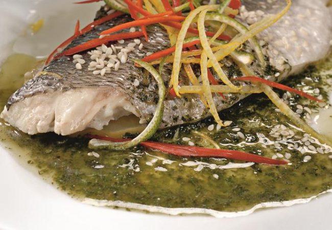 Морской окунь с мятным соусом | Рецепты с фото