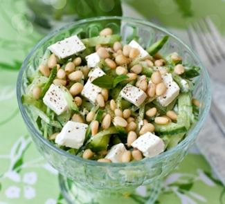 Огуречный салат с фетой | Рецепты с фото
