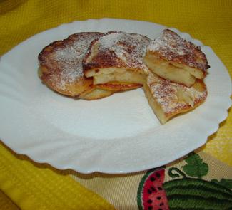 Оладьи с яблочной начинкой | Рецепты с фото