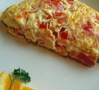 Омлет с паштетом и помидорами | Рецепты с фото