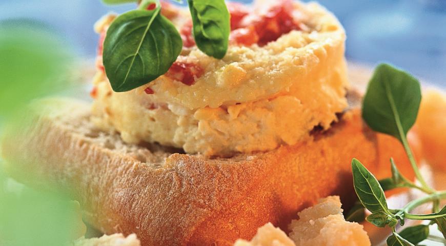 Омлет с томатами и пармезаном | Рецепты с фото