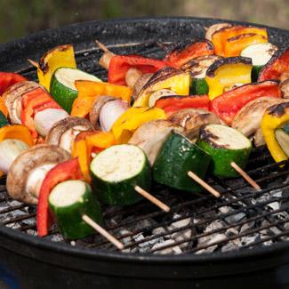 Овощи и шампиньоны барбекю в маринаде из соевого соуса Kikkoman | Рецепты с фото
