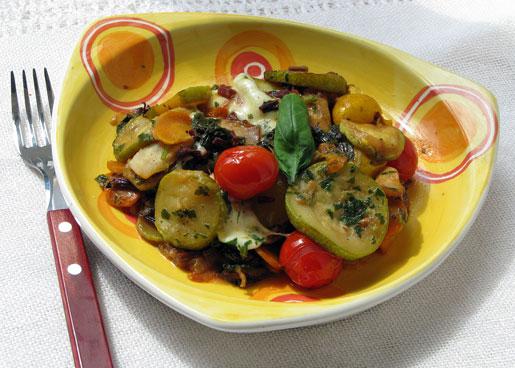 Овощное рагу с листьями свеклы и моцареллой | Рецепты с фото