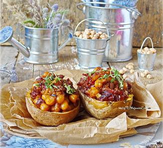 Пикантная картошка с нутом, вялеными томатами и песто rosso | Рецепты с фото