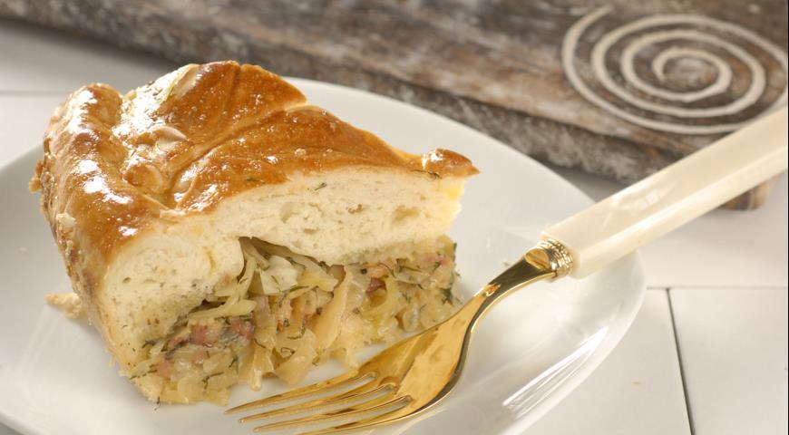 Пирог с молодой капустой | Рецепты с фото