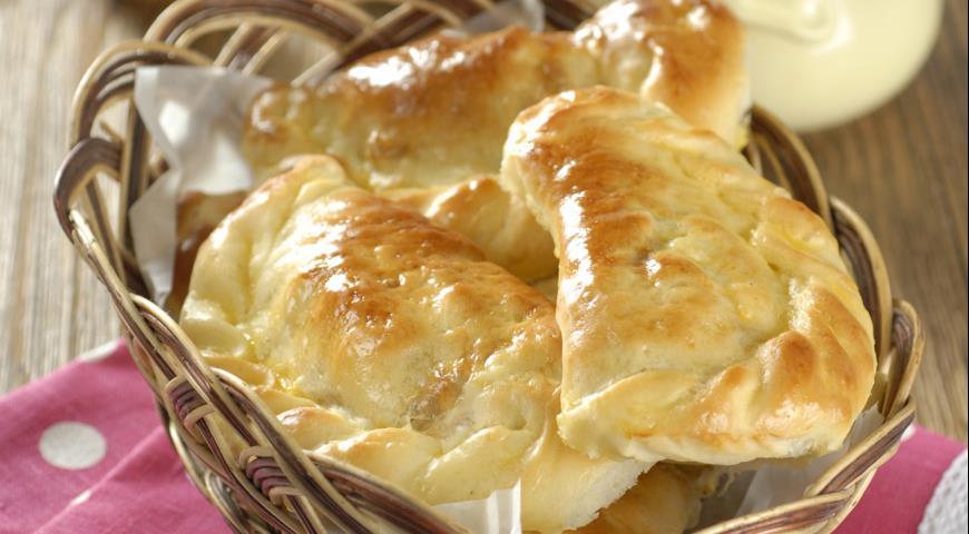 Пирожки с квашеной капустой и яйцами | Рецепты с фото